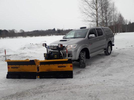 Toyota Hilux + Meiren VDP 2504